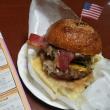 アメリカンテイストのハンバーガー