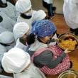辰野東小学校2学年 味噌づくり