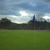 雲とゴルフと……