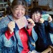 今日はお母さんと手織り体験です