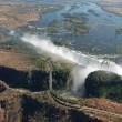 ビクトリアの滝をザンビアとジンバエブ側両方から徒歩で見る