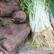 中身が紅い色の自然薯(山药)