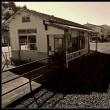 片方に線路のある島式ホームの小さな無人駅…JR三江線石見簗瀬駅
