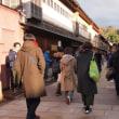 さすが三連休中日、観光客、多。今日は日本人の割合が高い(笑)。