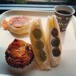 『サフラン』でシャインマスカットのサンドイッチ