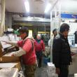 豊洲市場の海老、カニ、水産仲卸の佃林です。買い物の方続々来場