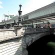 日本橋に空を