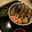 いち膳屋炭火焼き豚玉丼