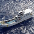 海上で外国船を監視していた漁船の船長、船を残し行方不明に 沖縄
