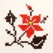 小さくて刺繍し易かった花模様です