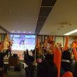 小平選手応援に木遣りも出るパブリックビューイングに参加し盛り上がる。