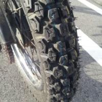 タイヤを交換する。