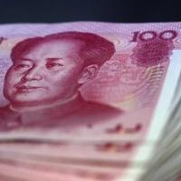 中国本土から、香港株への資金流入、2018年はHK$4,000億。