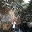 新年の滝修行