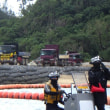 K9護岸でランプウェイ台船に抗議。
