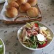 2018 5月のパン教室  ( 丸パンとビーツドレッシングのサラダ )