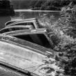 ダム湖のボート