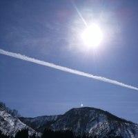 冬の飛行機雲