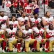 米スポーツ選手が国歌演奏に不起立 警官による黒人虐殺に抗議