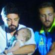 伊リゾート島の地震、2人死亡 救助活動で7か月の幼児救出