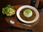 小松菜のカレーとミモザサラダの晩御飯