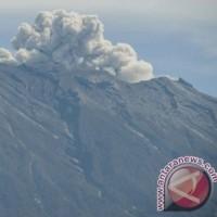 大統領はAgung火山の緊急事態宣言を解除   インドネシア