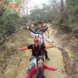 グレトラ仲間と山楽 紅葉残る六甲山