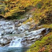 4379 秋の流れ