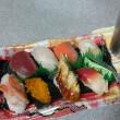 半額のお寿司とメガ盛りナポリタン