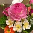 変化する花瓶の花々
