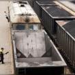 中国トラック輸送制限令、「鉄道アルマゲドン」起きるか