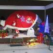 「恐竜博物館はクリスマス一色」。