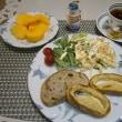いちじく&クリチ、玉子のピタパン(柿が赤くなると…)