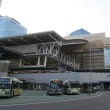 JRはお盆休みの夕方 大阪駅ホーム (2018年8月)