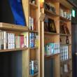 本棚に囲まれ、本を思う存分読む、