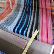 三河木綿アクセサリーを織る
