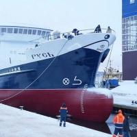 Pella Shipyardでロシア初の特注カニ漁船が進水