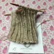 毛糸がまた増えてもいるが編んでもいる。