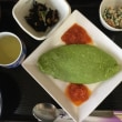 4月21日の日替り定食(550)は、ほうれん草のグリーンチーズオムレツ です。