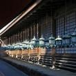 今昔奈良名所「ずらりと並んだ釣燈籠」