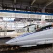 西日本の個性派新幹線が顔合わせ