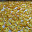 金柑チップス、きれいな黄金色