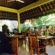 コマネカアットラササヤンで朝食を