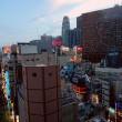 新宿東宝ビルのゴジラを見ながらティータイム