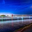 明石海峡大橋と灯台