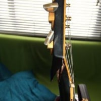 私のギターはレスポール 上