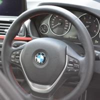 2012y BMW 320dツーリングスポーツです。