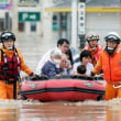 ◯ Rescue and search follow 70 people of torrential downpour dead. 豪雨死者70人、救助・捜索続く