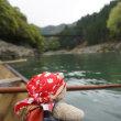 亀岡から嵐山への2時間の船旅。雄大な景色を満喫できる「保津川下り」