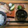 カフェで焼魚定食?!